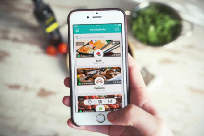 La app permite comprar la comida que los restaurantes van a tirar.