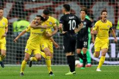 EPA5520. FRANKFURT (ALEMANIA).- Pedro (2i) de <HIT>Chelsea</HIT> celebra la anotación de un gol este jueves, durante un partido de la Liga Europa entre Eintracht Frankfurt y <HIT>Chelsea</HIT> FC, en Frankfurt (Alemania).
