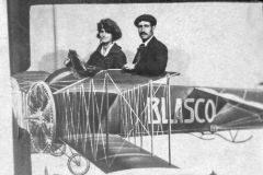 Ramón Acín y su mujer, Conchita Monrás, en una imagen de archivo.