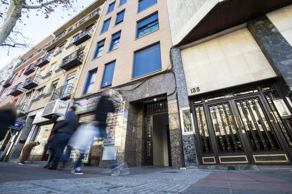 Reportaje sobre edificios dedicados a la prostitución. Paseo de las Delicias 133.