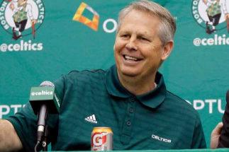 Ainge, durante una conferencia de prensa con los Celtics.