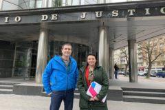 Los aprlamenatrios Arzuaga y Goirizelaia, ante el Juzgado de Vitoria.