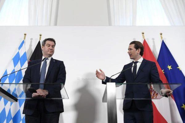 El canciller austríaco, Sebastian Kurz (izquierda), en rueda de prensa con el jefe del Gobierno de Baviera, Markus Söder.