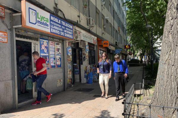 Uno de los locutorios de la calle de Rocafort de Villaverde donde supuestamente se vendía lotería dominicana de forma ilegal.