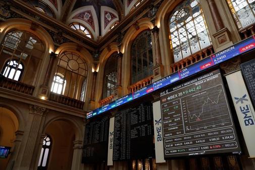 Sesión en los mercados desde el Palacio de la Bolsa de Madrid.