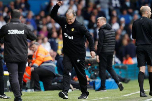 Bielsa, durante el partido del domingo ante el Aston Villa.