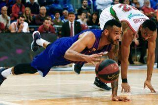 El Baskonia profana el Palau y compeomete el liderato del Barcelona