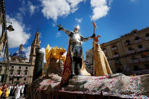 Alcoy luce todo su esplendor medieval | Alicante