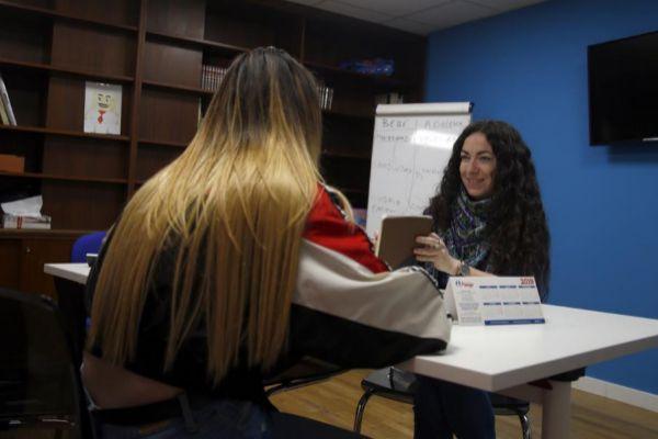 Un joven beneficiaria del Proyecto Conviviendo que lucha contra la violencia intrafamiliar.