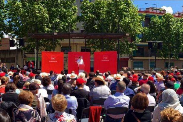 Acto de celebración de la Festa de la Rosa, en Montmeló (Barcelona).