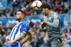 La Real Sociedad redobla la presión al Athletic