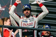 Un triunfo épico para Alonso bajo la nieve y el granizo en Spa