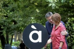 La directora de À Punt, Empar Marco, con el presidente Puig el día en que se presentó la imagen.