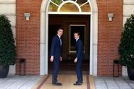 Pedro Sánchez y Pablo Casado, durante la visita del líder del PP a Moncloa el pasado mes de agosto