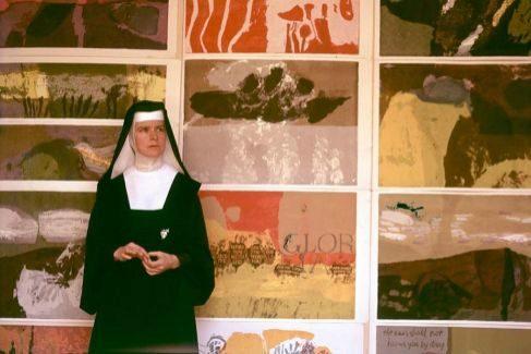 Corita Kent en el Inmaculate Community de Los Angeles (1965)