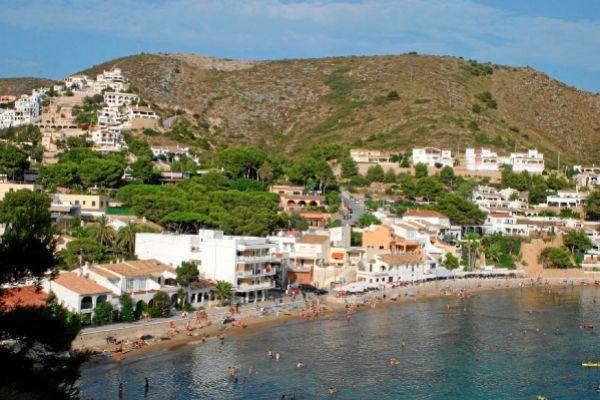 Viviendas en la primera línea de la costa de Teulada-Moraira.