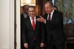 El ministro ruso de Exteriores, Sergei Lavrov, y el canciller venezolano, Jorge Arreaza.