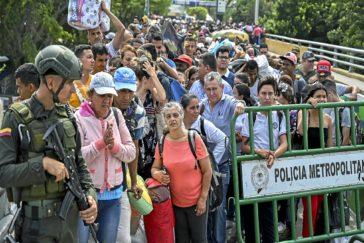 """La emigración venezolana bate récords """"por la tiranía de Maduro"""""""