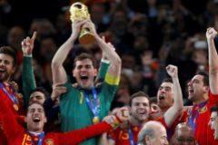 Casillas, años por delante