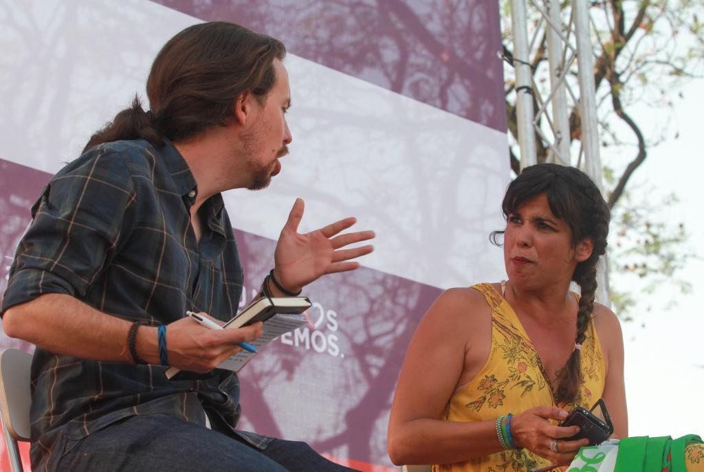 Pablo Iglesias y Teresa Rodríguez, en un acto de las generales de...