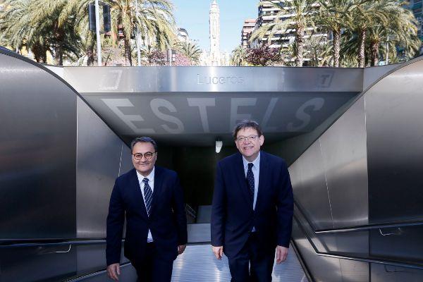 El candidato socialista a la Alcaldía de Alicante, Paco Sanguino, junto al presidente de a Generalitat, Ximo Puig, en la estación del TRAM en Luceros.