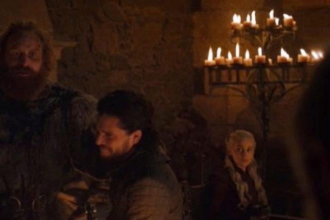 En esta escena de Juego de Tronos se ha colado un invitado inesperado.
