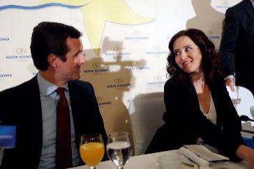 Pablo Casado e Isabel Díaz Ayuso, este lunes.