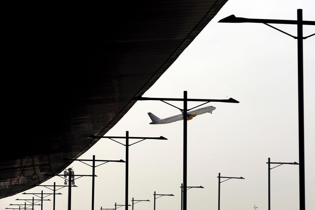 Un avión de Vueling en el aeropuerto de El Prat