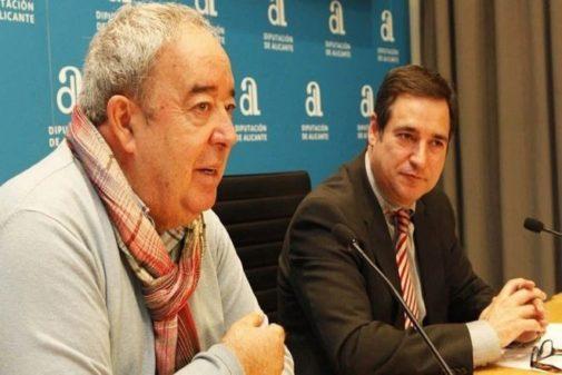 El gerente del Patronato de Vivienda de Alicante, Gaspar Mayor (izquierda), en imagen de archivo.
