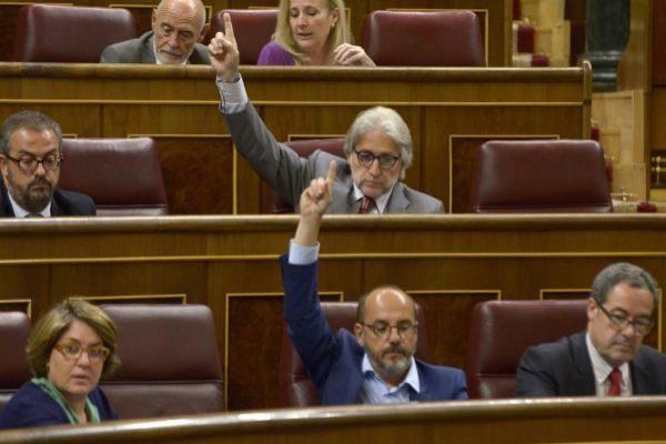 Josep Sánchez Llibre y Carles Campuzano, en una imagen del Congreso, de 2015, cuando ambos eran diputados.