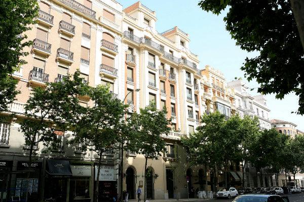 Un edificio de la calle Velázquez, en el distrito de Salamanca.