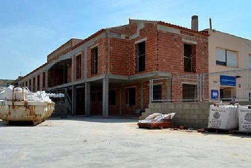 Una visita a las obras de la residencia, en construcción desde hace seis años.