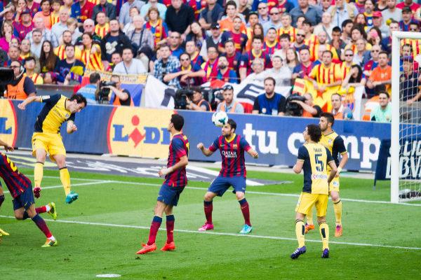 dd4a3d25 El cabezazo de Diego Godín que valió una liga en 2014 Álex Caparrós MARCA