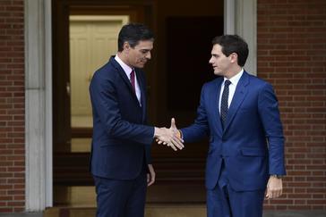 Rivera avisa a Sánchez de que le hará un duro marcaje y le exige ya el 155 en Cataluña