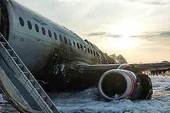 El error de los pilotos: avivar el fuego al abrir una ventanilla y no apagar los motores