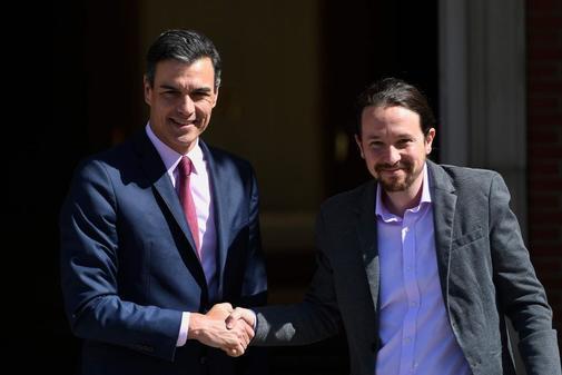 Pedro Sánchez y Pablo Iglesias, antes de su encuentro en Moncloa