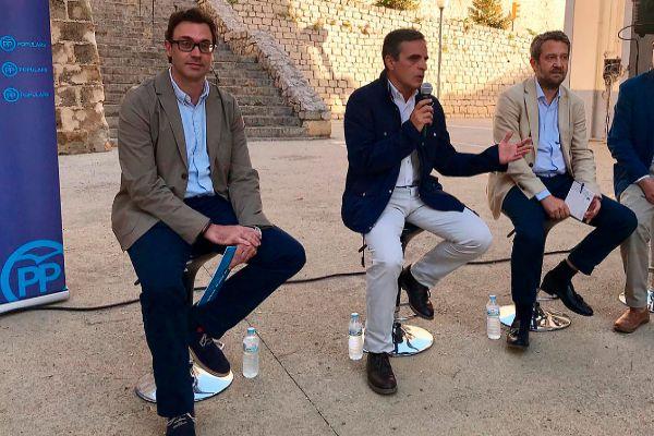 El candidato al Parlament, Antoni Costa, el candidato a la alcaldía Vicente Marí Bosó, el diputado Jaime de Olano y el candidato al Consell de Ibiza, Vicent Marí.