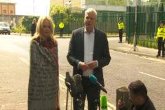 """Pamela Anderson tras visitar a Assange: """"Lo amo, es un buen hombre"""""""