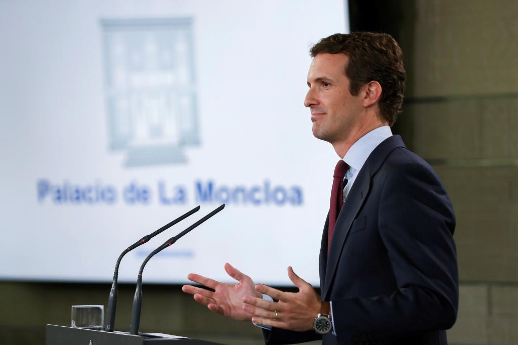 Pablo Casado, el lunes, tras reunirse con Pedro Sánchez en La Moncloa.