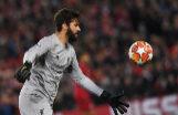 EPA6986. LIVERPOOL (REINO UNIDO).- El portero <HIT>Alisson</HIT> Becker del Liverpool en acción en el juego correspondiente a las semifinales de la Liga de Campeones de la UEFA, este martes en el estadio Anfield de Liverpool (Reino Unido).