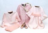 Vestido, chaqueta, blusa y zapatos rosas de la marca ?Irulea?