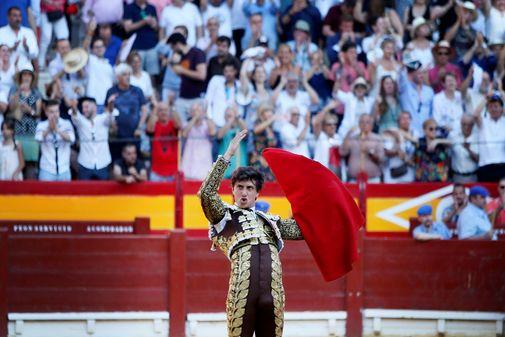 Roca Rey vende al público de Alicante su última faena de la pasada Feria de Hogueras