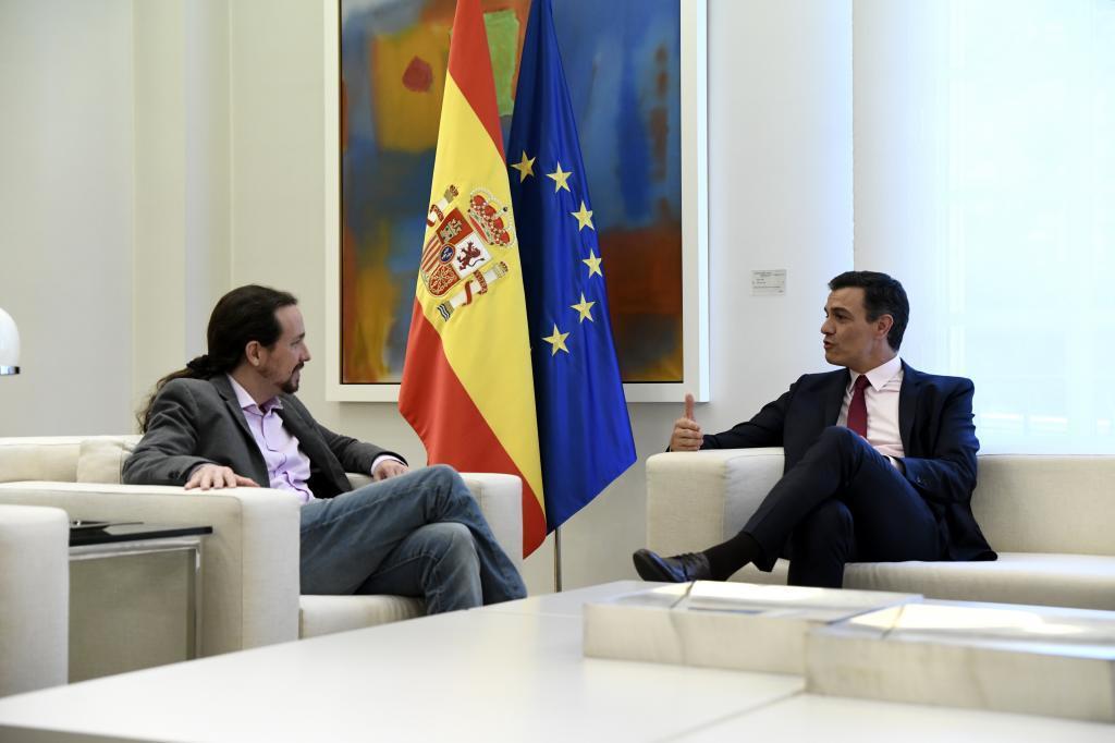 Un momento de la reunión entre Pablo Iglesias y Pedro Sánchez, esta semana.