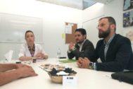 Los responsables de Contigo-Elche, antes en Cs, en una reunión con AFAE