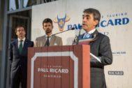 Victorino Martín García recogió en la residencia de la Embajada de Francia el trofeo con el que se homenajeó a su padre