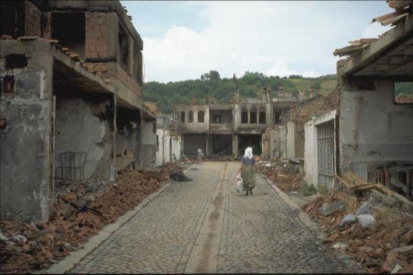 Historia   Un siglo de guerras civiles: 20 millones de muertos y 67 millones de desplazados