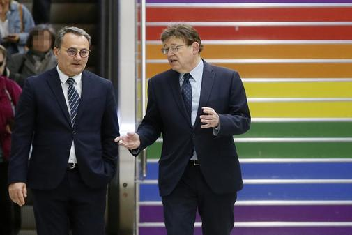 El alcaldable socialista por Alicante, Francesc Sanguino, y el presidente de la Generalitat, Ximo Puig, en una visita al Tram.