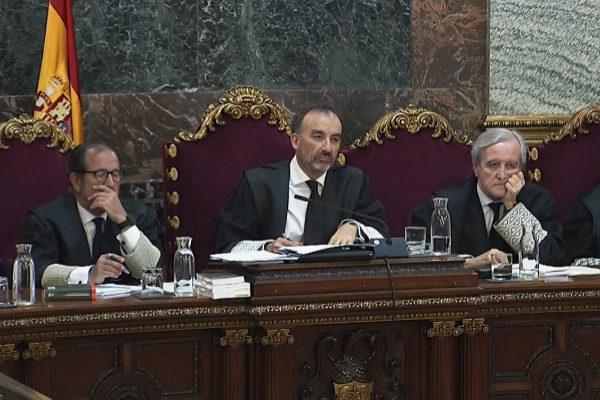 De izquierda a derecha: los magistrados Martínez Arrieta, Marchena y Berdugo.