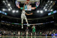 Antetokounmpo elimina a los Celtics y los Warriors acarician la final del Oeste