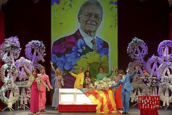 La Cubana trae el 'paripé' del entierro de Arturo al Auditorium